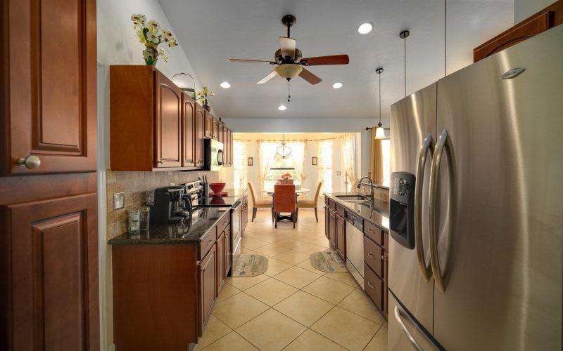 3204 SE 1st Pl Cape Coral FL-large-003-020-Kitchen-1500x959-72dpi