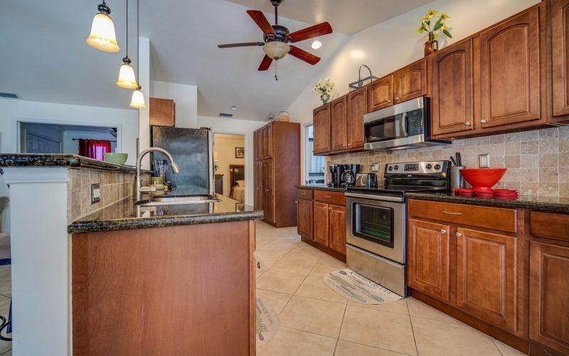 3204 SE 1st Pl Cape Coral FL-large-009-022-Kitchen-1500x1000-72dpi