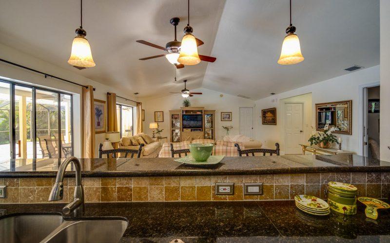 3204 SE 1st Pl Cape Coral FL-large-011-023-Kitchen-1500x1000-72dpi