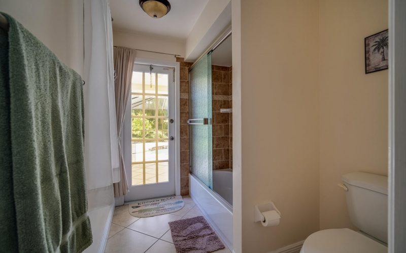 3204 SE 1st Pl Cape Coral FL-large-021-025-Bathroom-1500x1000-72dpi