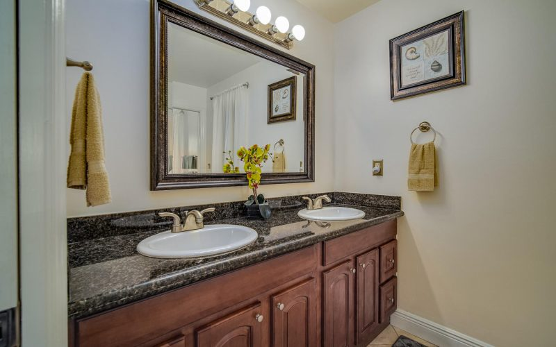 3204 SE 1st Pl Cape Coral FL-large-022-026-Bathroom-1500x1000-72dpi